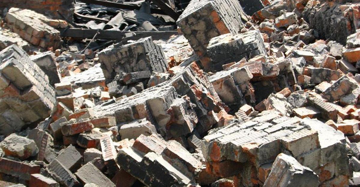 В Каракалпакстане в результате обрушения стены погибло три человека