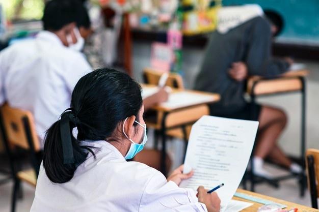 Абитуриентам из Узбекистана придется пересдать вступительные экзамены в российские вузы