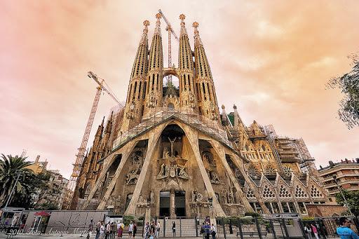 Картонный, хрустальный собор и прозрачная церковь: как выглядят часовни мира – фото