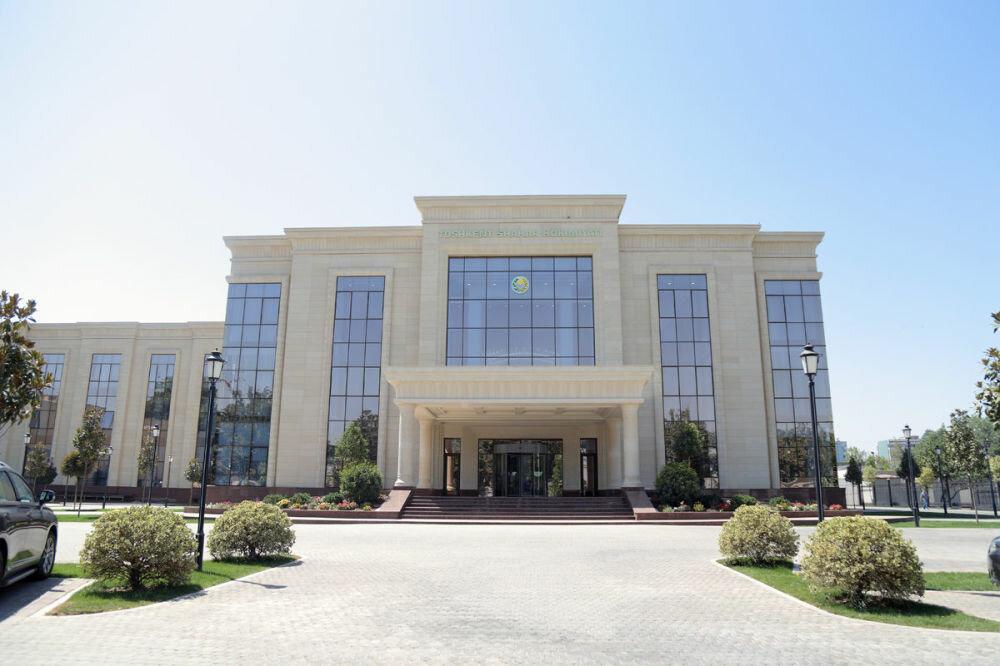 В Ташкенте администрация города временно запретила организацию собраний в своей системе