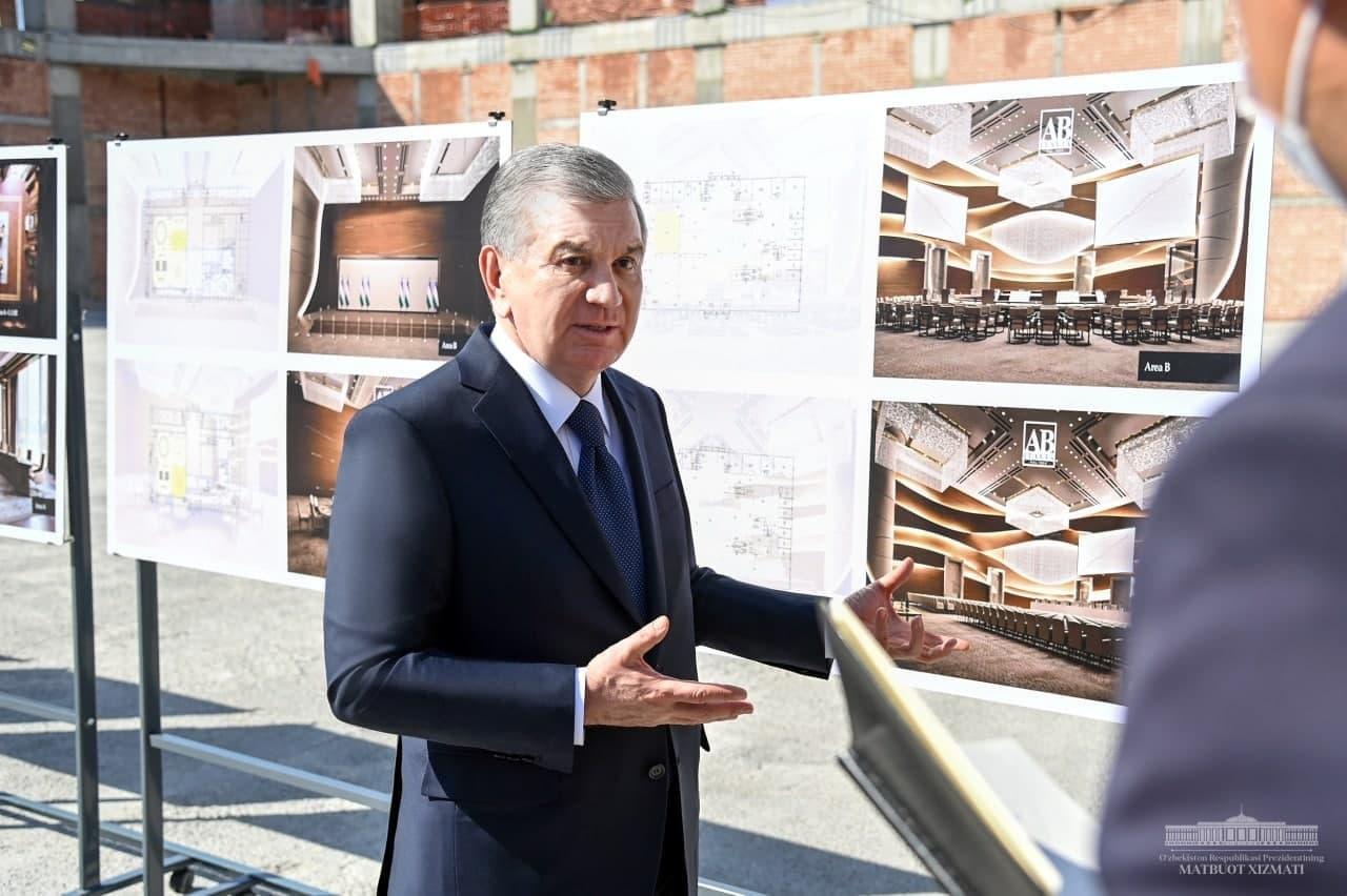 Шавкат Мирзиёев посетил туристический центр в Самарканде – фото
