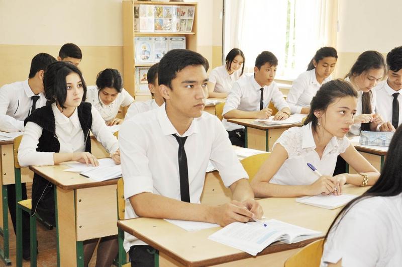 В 10 ведущих школах Андижана и Бухары организуют педагогические классы