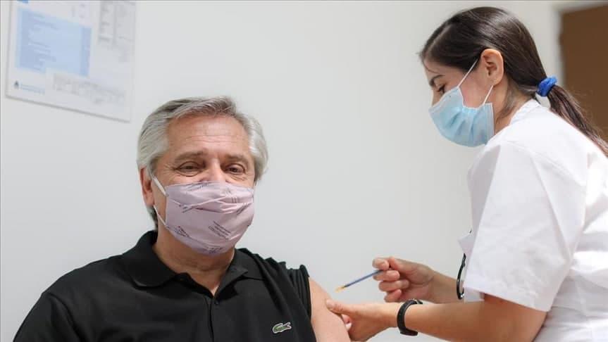 Президент Аргентины заболел COVID-19 после получения вакцины Sputnik V