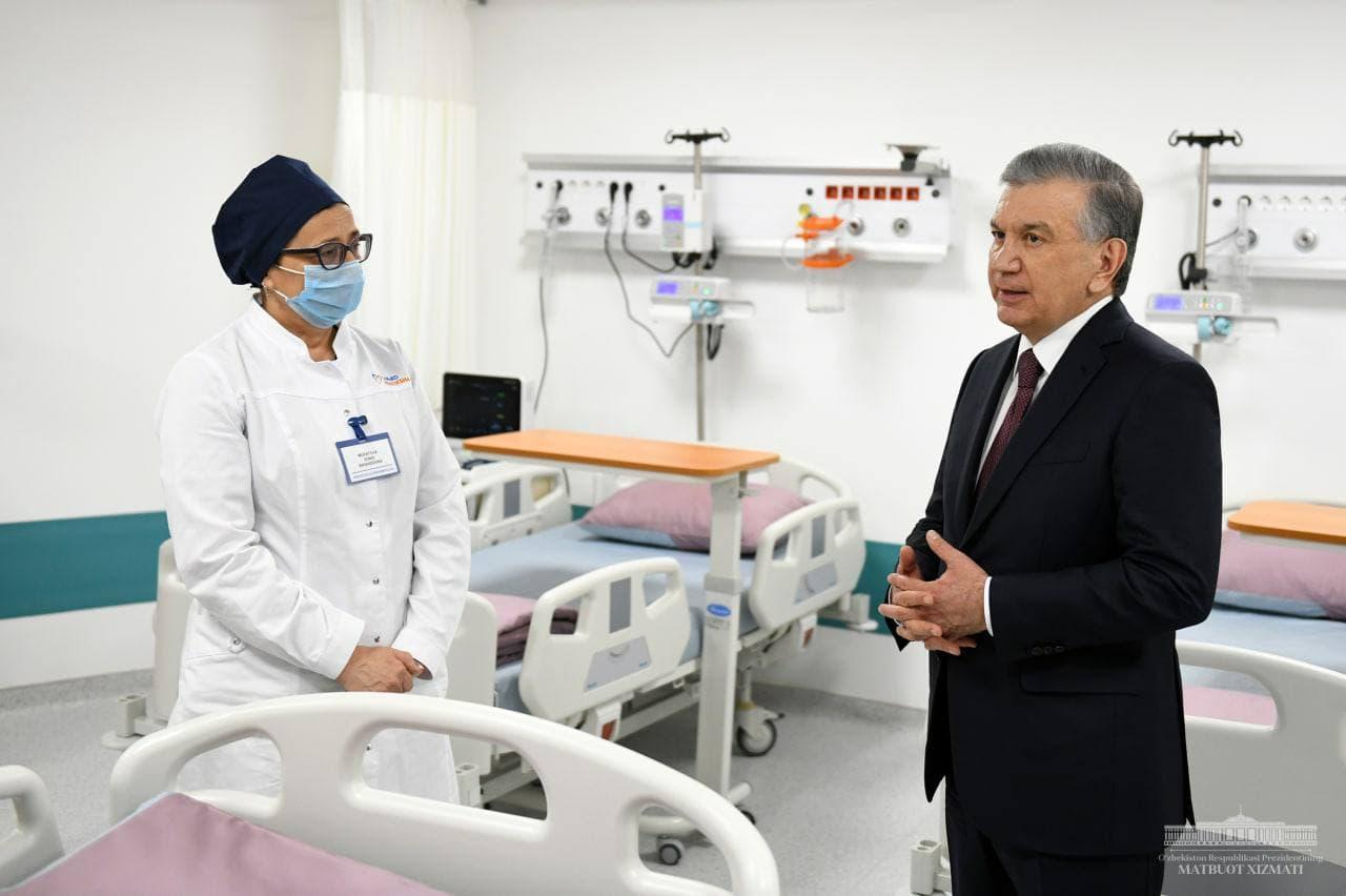 Шавкат Мирзиёев ознакомился с современной клиникой в Самарканде