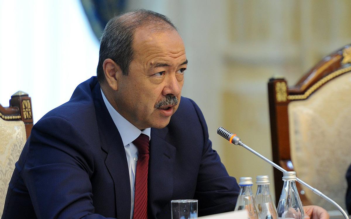 Премьер-министр поручил хокимам областей создать запасы 42 видов лекарственных препаратов