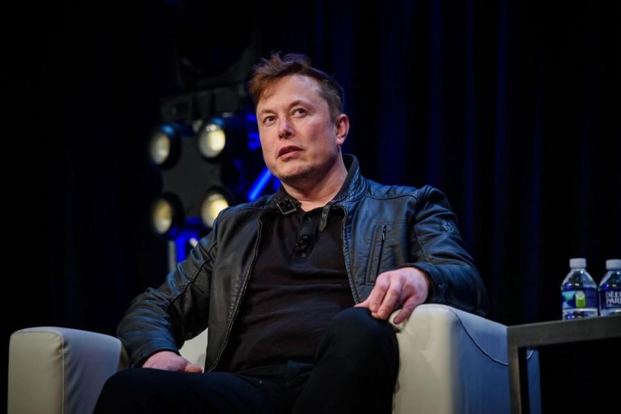Илон Маск заявил, что нужно создать город на Луне и Марсе