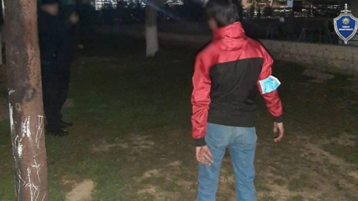 В Ташкенте 17-летний парень ударил ножом молодого человека, когда разнимал драку