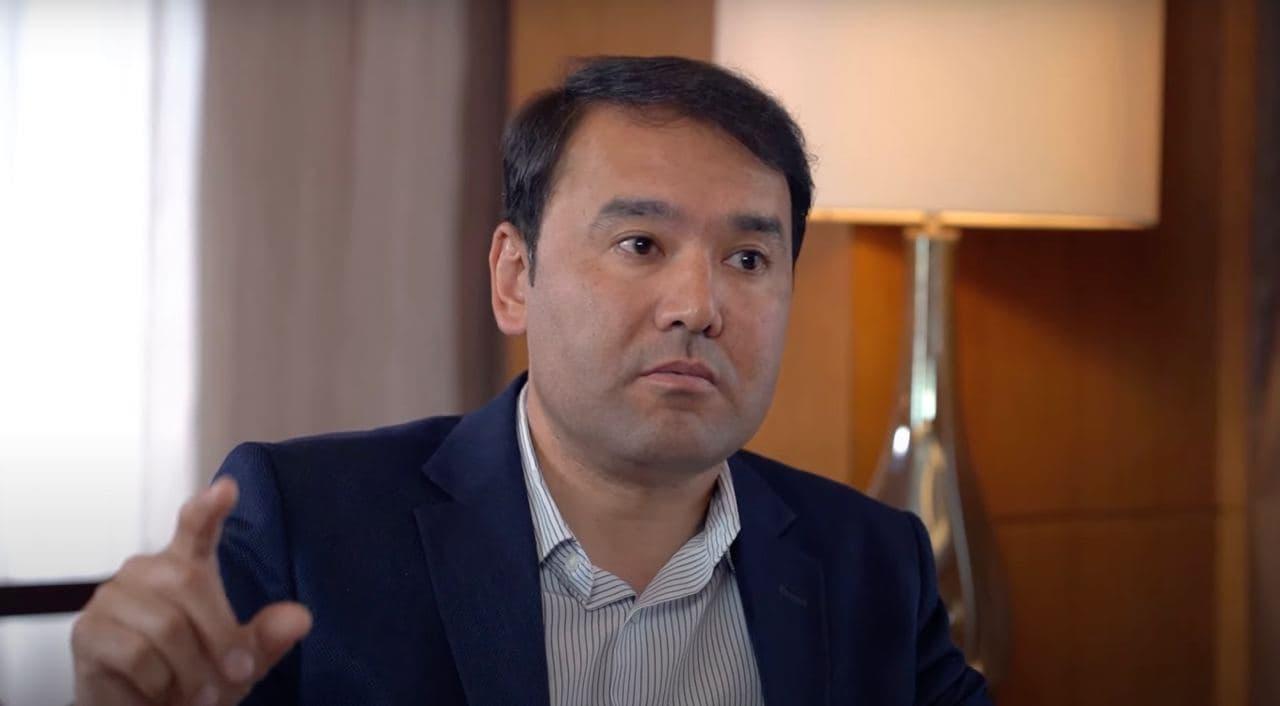 Расул Кушербаев поделился своим мнением об ЛГБТ-сообществе