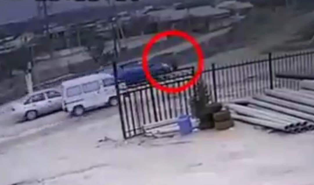 В Самаркандской области водитель Spark сбил женщину — видео