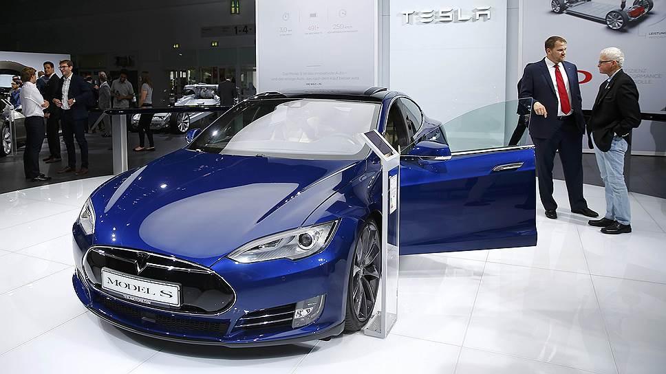 Tesla без разрешения сняла деньги со счетов более 100 клиентов