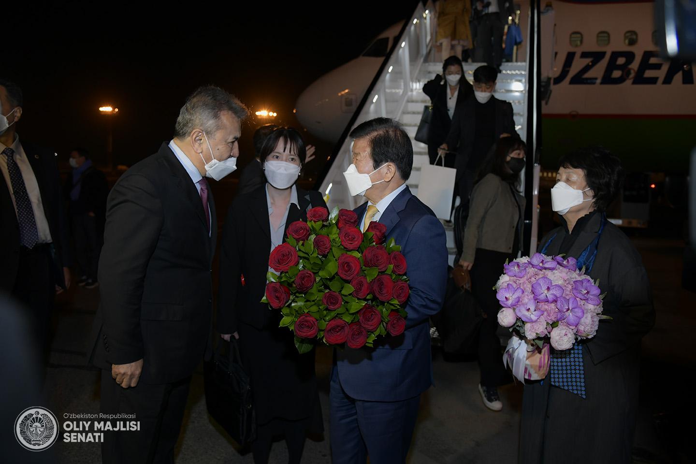 В Узбекистан прилетел спикер Национальной Ассамблеи Южной Кореи Пак Бён Сок