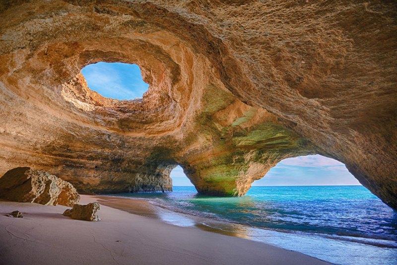 Песок, солнце и лазурные бухты: самые красивые пляжи всей планеты – фото