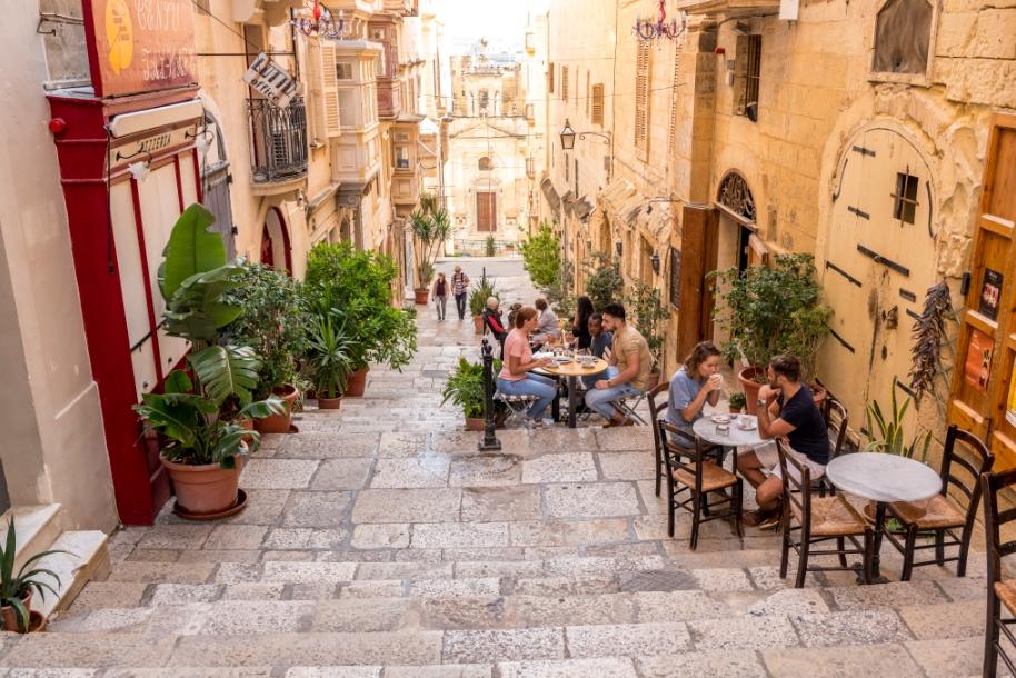 Власти Мальты планируют выплачивать туристам до 200 евро