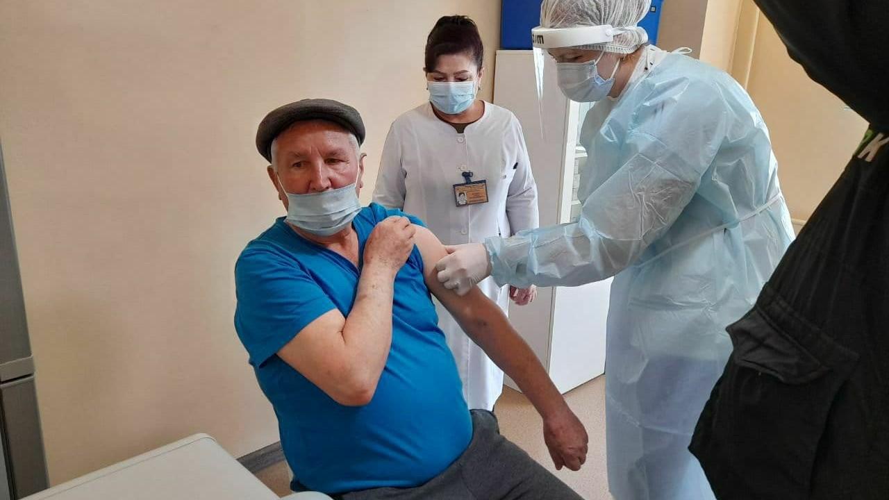 Подготовлены больницы для лечения побочных эффектов вакцины в Ташкенте