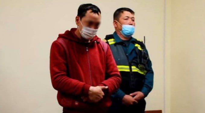 В Ташобласти арестовали водителя, замахнувшегося камнем на инспектора ДПС