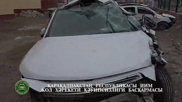 В Каракалпакстане Cobalt врезался в бетонное ограждение