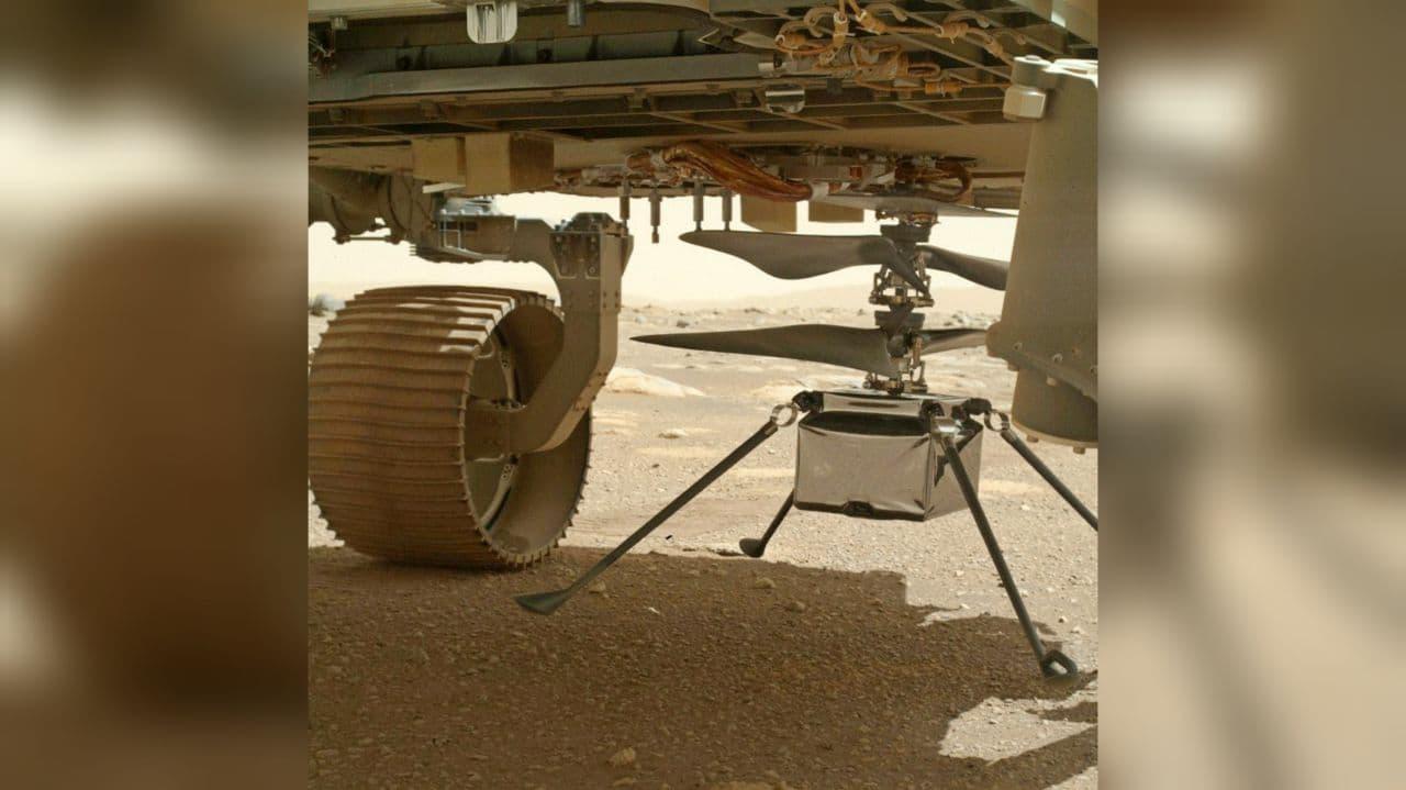 На Марсе установили вертолет-дрон Ingenuity — фото