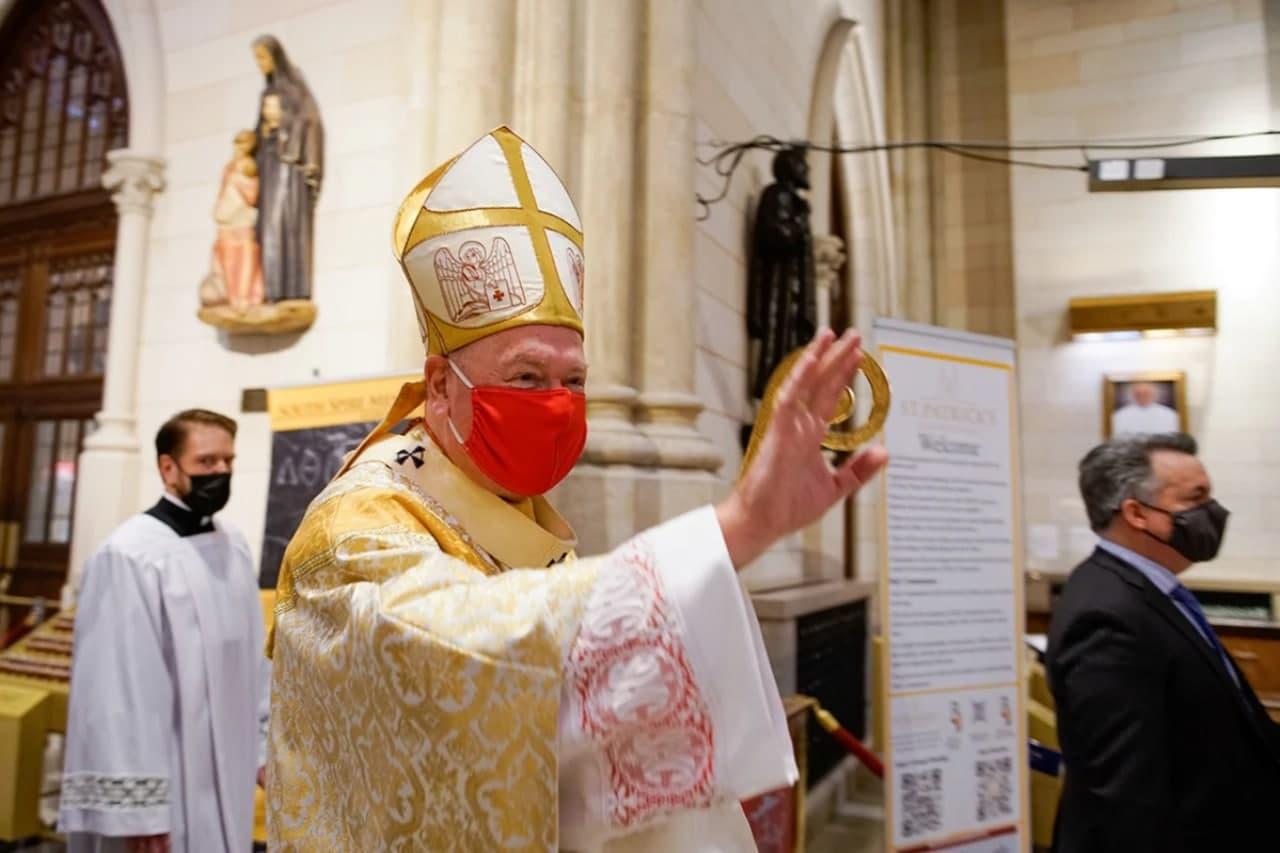 Ограничения, маски и дистанция: как католики справили Пасху – фото