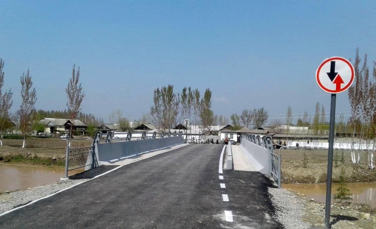 В Андижанской области построили новый мост через канал Шахрихансай