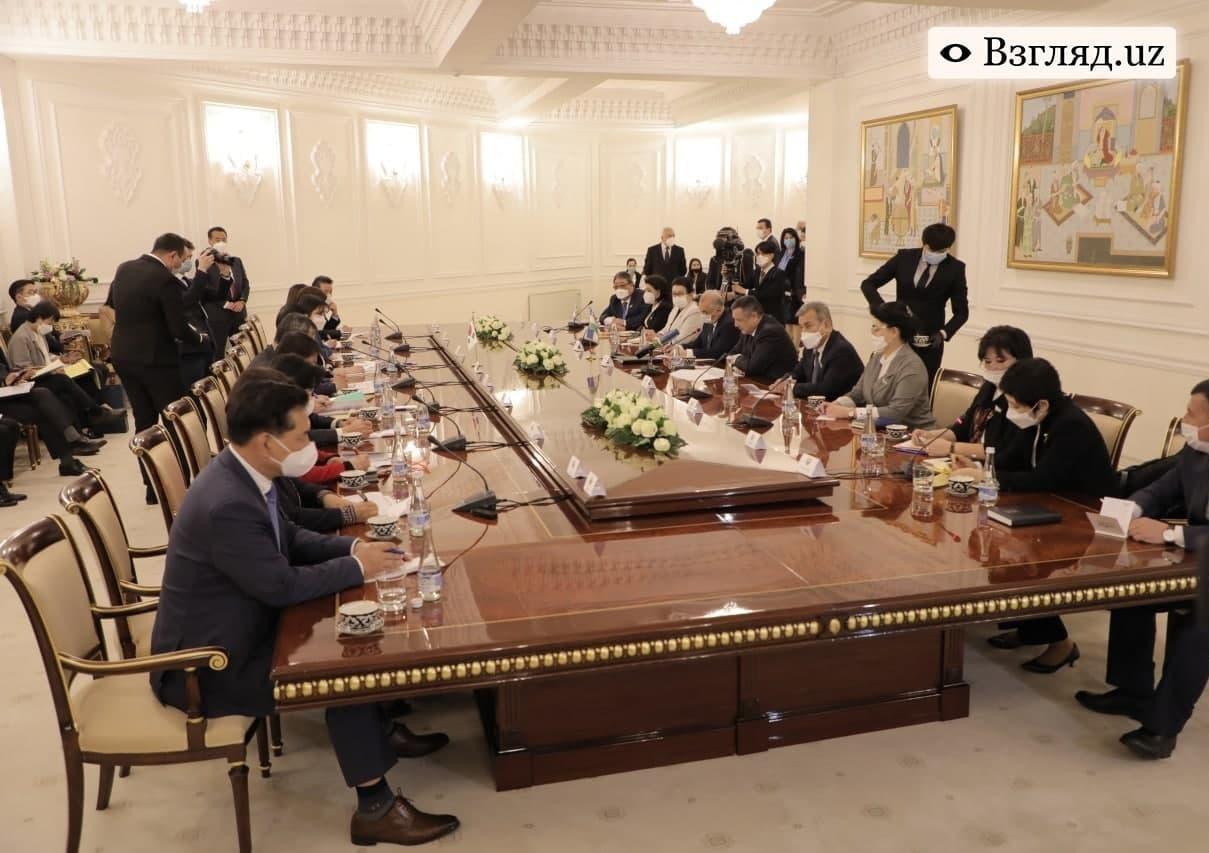 Узбекистан предложил Корее участвовать во Всемирной конференции по правам молодёжи