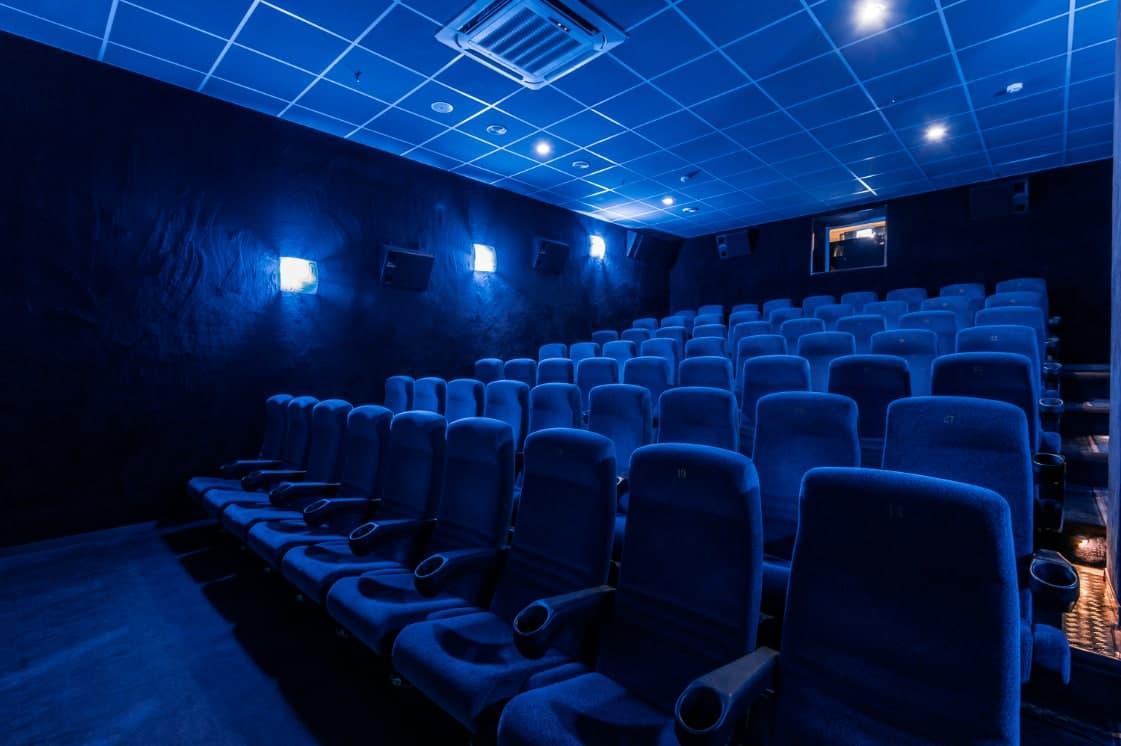 В Узбекистане обязуют строительство кинотеатров в новых крупных торговых комплексах