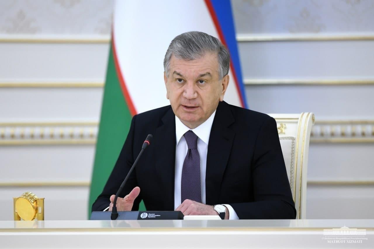Президент сделал выговор хокиму и прокурору Навоийской области