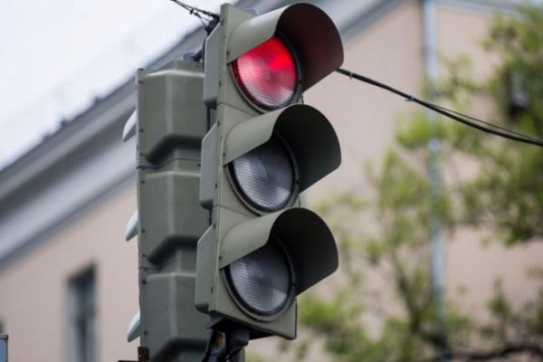На одной из улиц Самарканда после очередного смертельного ДТП решили установить светофор