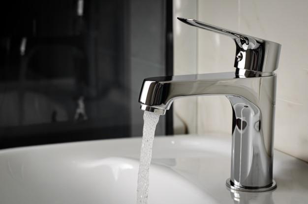 В двух районах столицы временно отключили водоснабжение