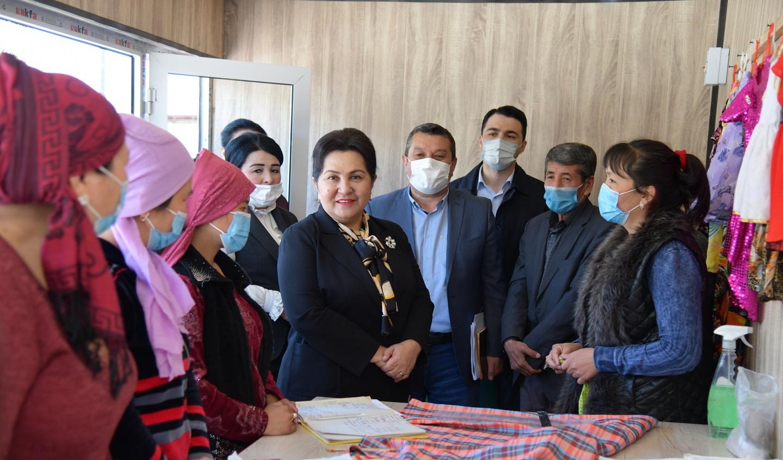 Танзила Нарбаева решила проблемы женщин Янгиюльского и Куйичирчикского районов — фото