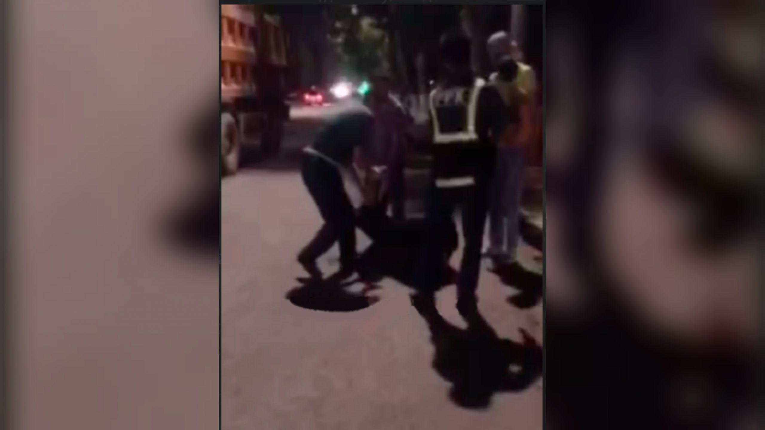 В Ташкенте женщина поссорилась с сотрудниками УВД – видео