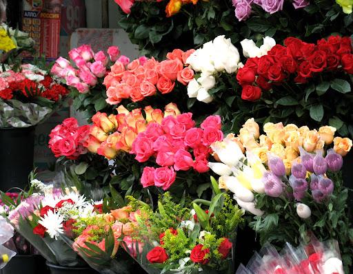 Каким образом в Узбекистане на прилавках появляются цветы из Голландии? В каком месяце планируются убытки? Взгляд.uz объясняет пошагово как открыть свой цветочный магазин с нуля и с какими проблемами придётся столкнуться