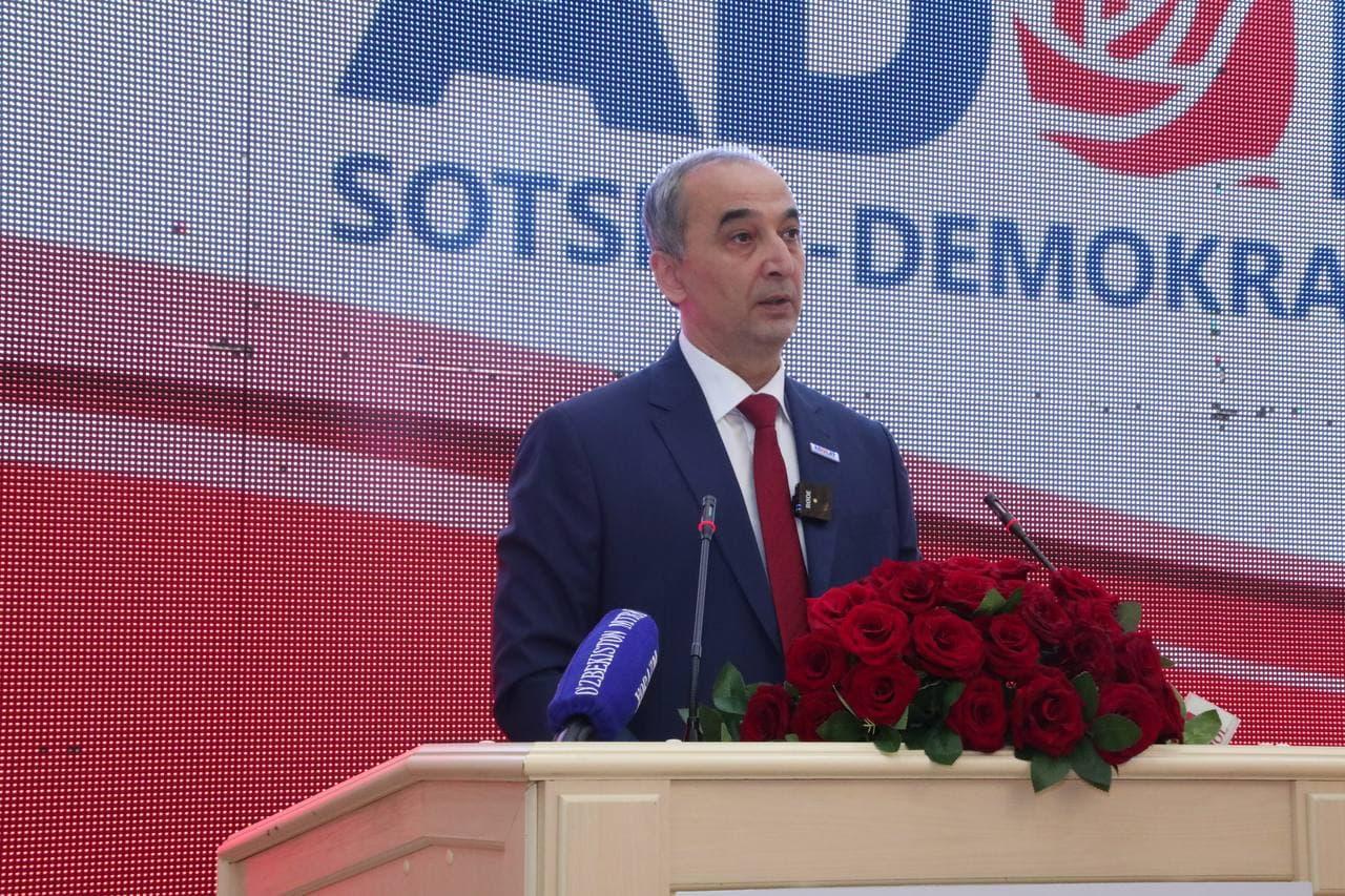 «Если закон справедлив и может защитить человека, то люди будут его уважать»: состоялась встреча кандидата от партии «Адолат» с хорезмскими избирателями
